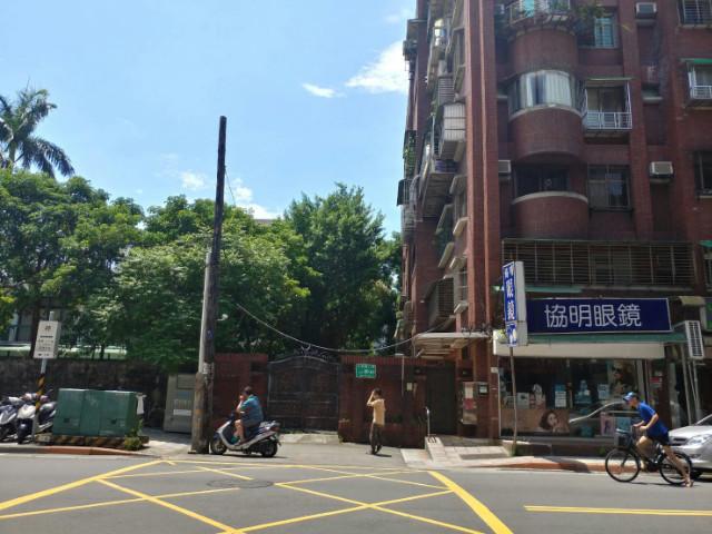 正大安路上金店面,台北市大安區大安路二段